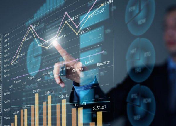 מדוע אנו מעדיפים להשקיע במניות מקומיות?